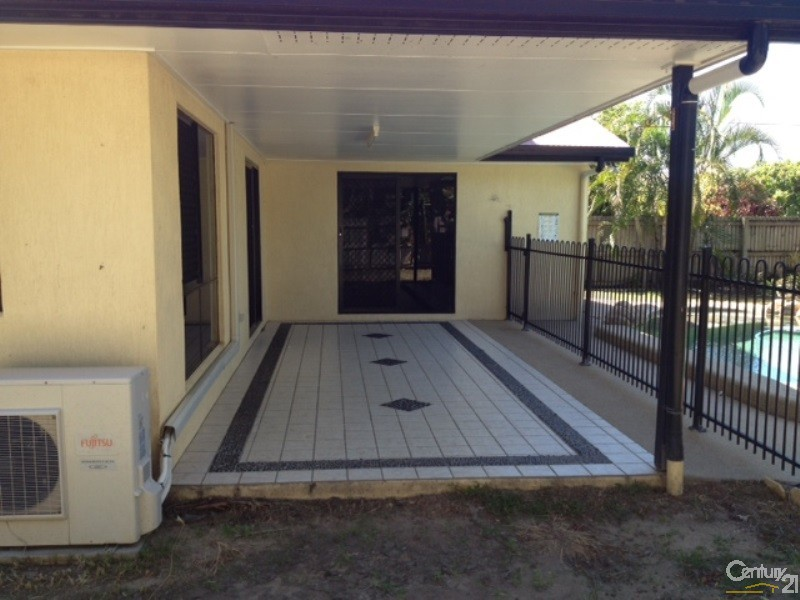 Outdoor Area - 10 Peters Place, Bowen - House for Sale in Bowen