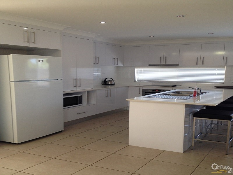 5 Crofton Street, Bowen - Holiday House Rental in Bowen