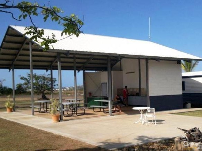 18540 Bruce Highway, Bowen - Hotel/Leisure Commercial Property for Sale in Bowen