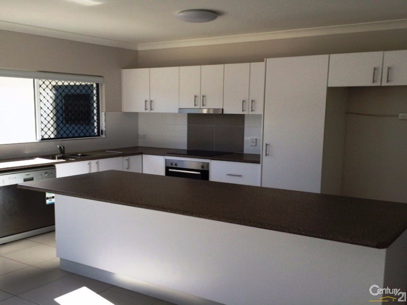 4 Second Close, Bowen - House for Rent in Bowen