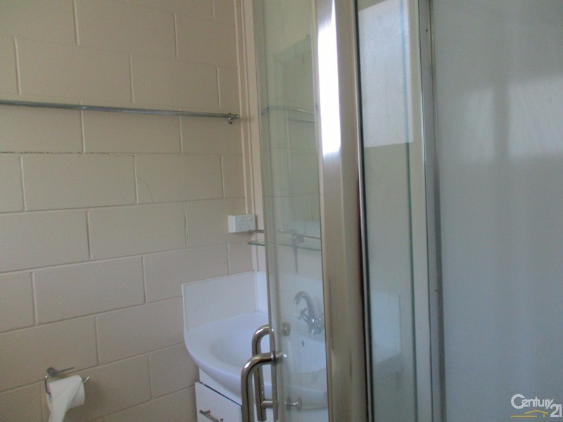 2/17 Blake Street, Collinsville - Holiday Unit/Apartment Rental in Collinsville
