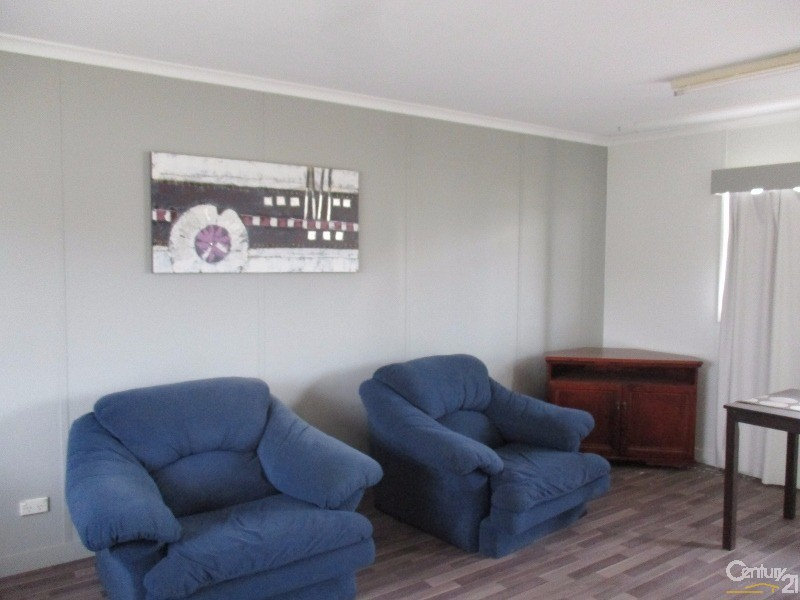 7 Redhill Road, Collinsville - Unit for Sale in Collinsville