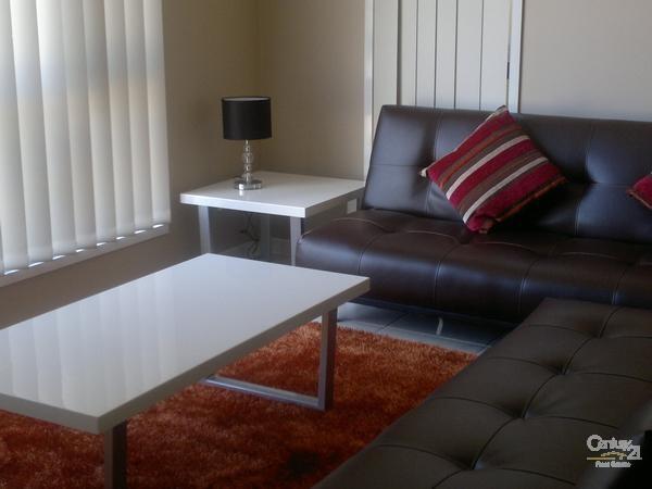 Lounge Room - 10 Gordon Street, Bowen - Holiday House Rental in Bowen