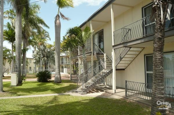 9 MARSHALL STREET, Bowen - Holiday Apartment Rental in Bowen