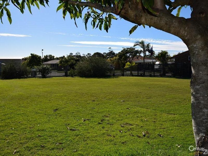 13 Queenscliff Court, Sandstone Point - Land for Sale in Sandstone Point