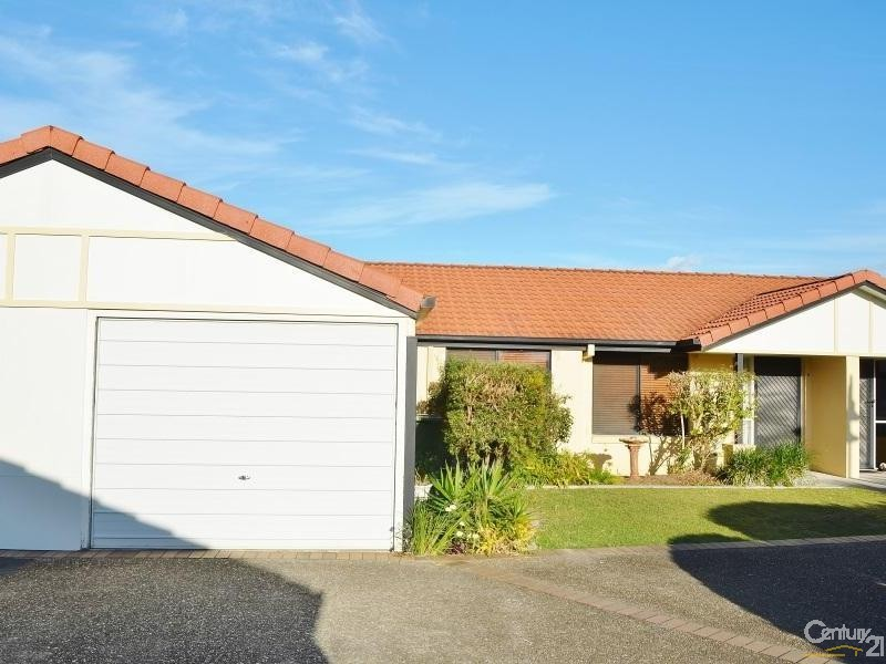 9/8 Spinnaker Drive , Sandstone Point - Villa for Sale in Sandstone Point