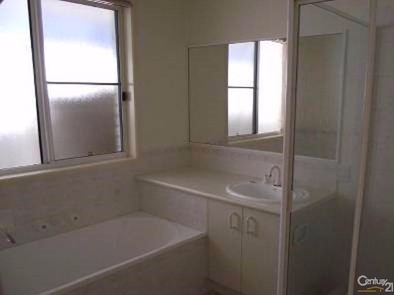 1/8 Dianthus Ave, Banksia Beach - Duplex for Sale in Banksia Beach