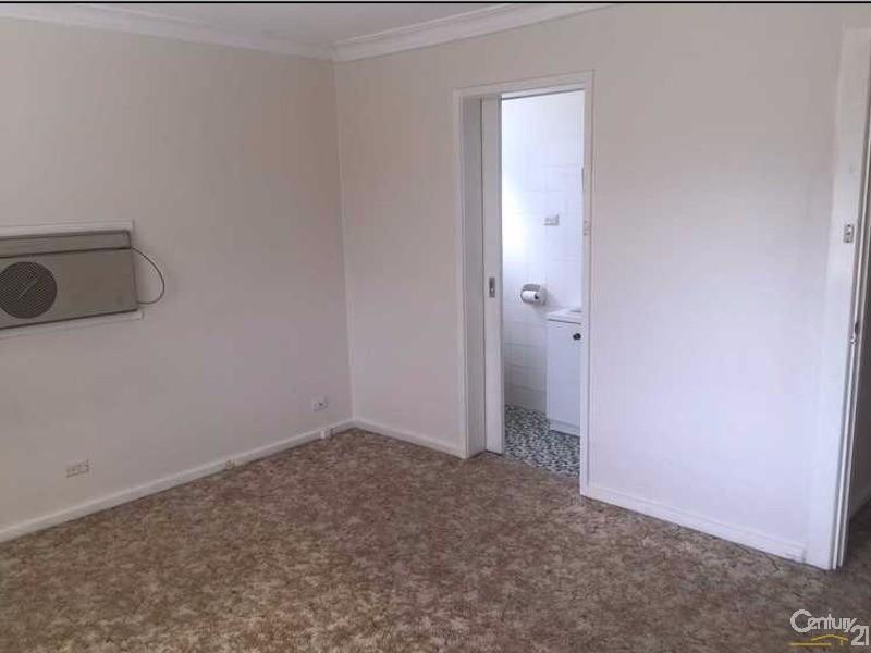 9 Dennis Street , Garran - House for Rent in Garran