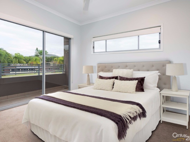Main Bedroom - 2 Carnarvon Court, Oxenford - Apartment for Sale in Oxenford