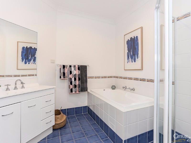 10 Hampton Court, Aberglasslyn - Property for Sale in Aberglasslyn