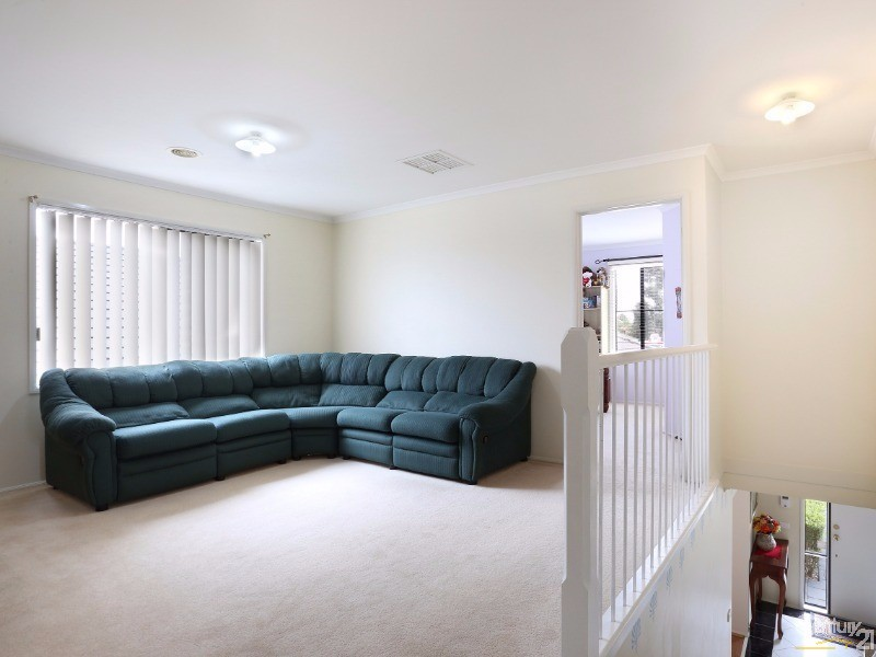 Family Retreat - 30 Astley Wynd , Lynbrook - House for Sale in Lynbrook