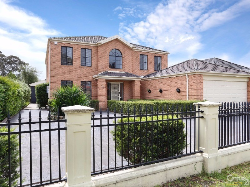 30 Astley Wynd , Lynbrook - House for Sale in Lynbrook