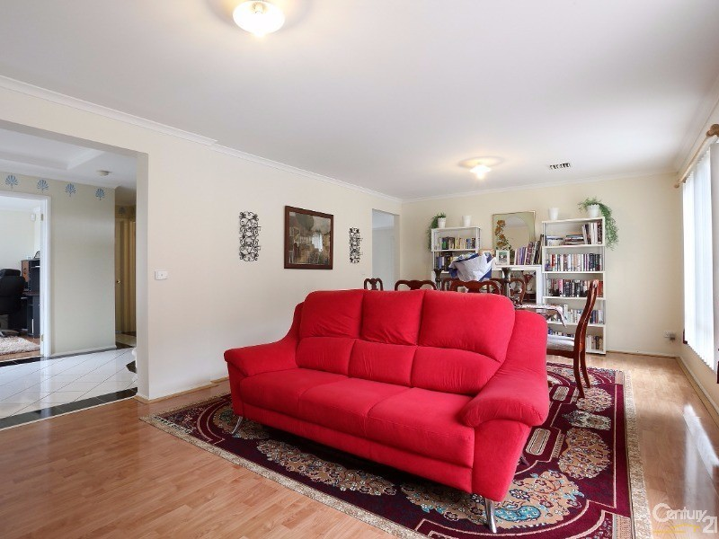 Formal Lounge - 30 Astley Wynd , Lynbrook - House for Sale in Lynbrook