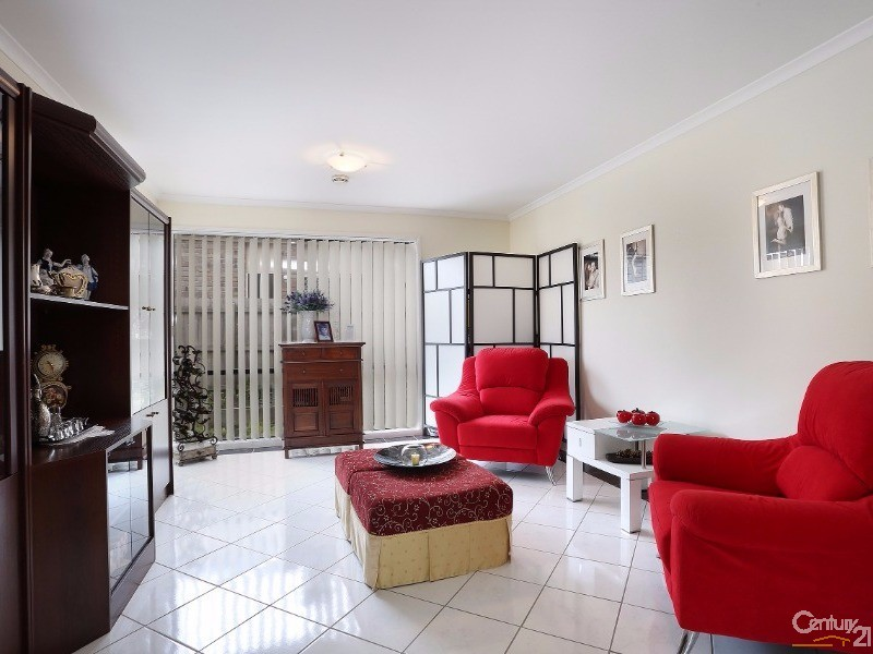 Family Room - 30 Astley Wynd , Lynbrook - House for Sale in Lynbrook