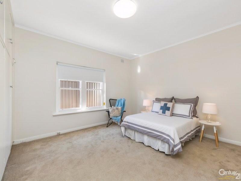 Master Bedroom - 4 McLachlan Avenue, Glenelg North - House for Sale in Glenelg North