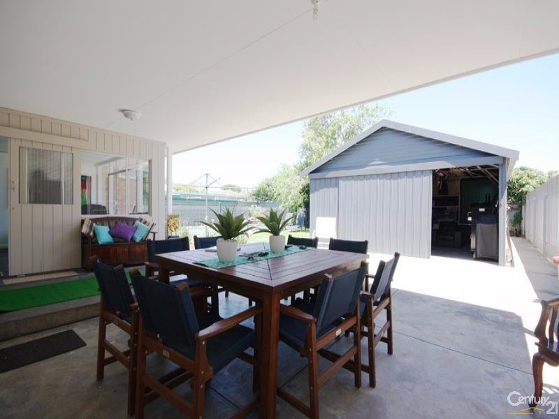 Entertaining - 4 McLachlan Avenue, Glenelg North - House for Sale in Glenelg North