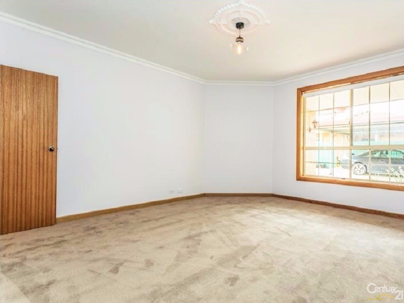 18A Chatham Road, Keswick - House for Rent in Keswick