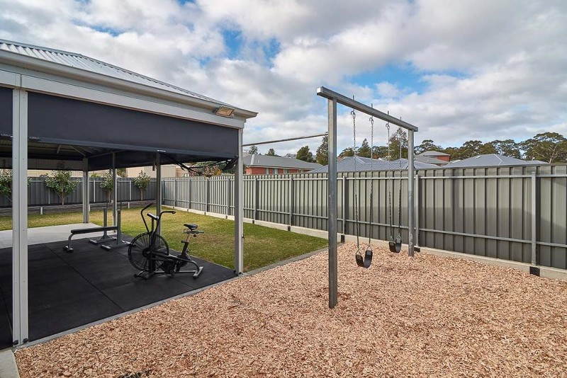 12 Lloyd Crescent, Littlehampton - House for Sale in Littlehampton