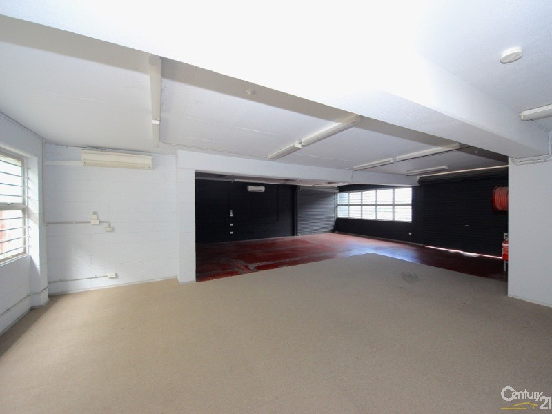 Commercial Showrooms/Bulky Goods Property for Lease in Southport QLD 4215