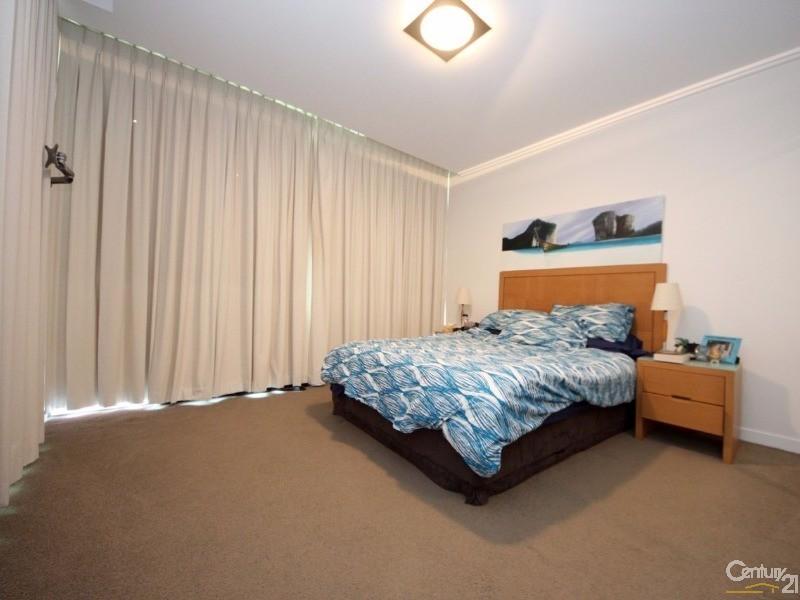 33 T E Peters Drive, Broadbeach - Unit for Sale in Broadbeach
