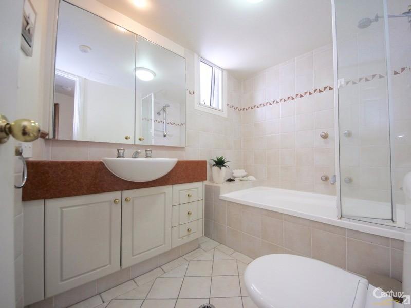 24-26 Queensland Avenue, Broadbeach - Unit for Sale in Broadbeach