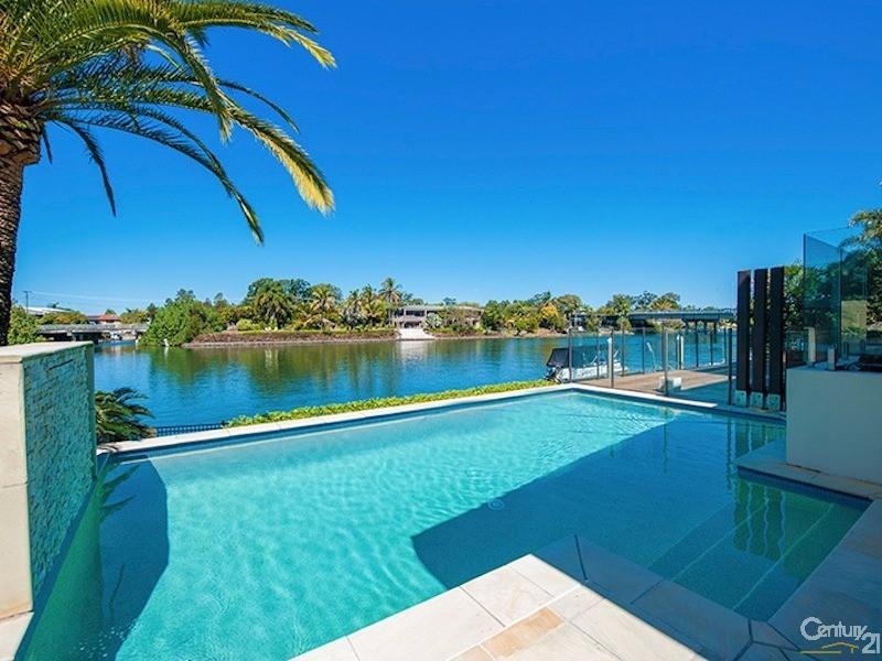 15 La Spezia Court, Surfers Paradise - House for Sale in Surfers Paradise