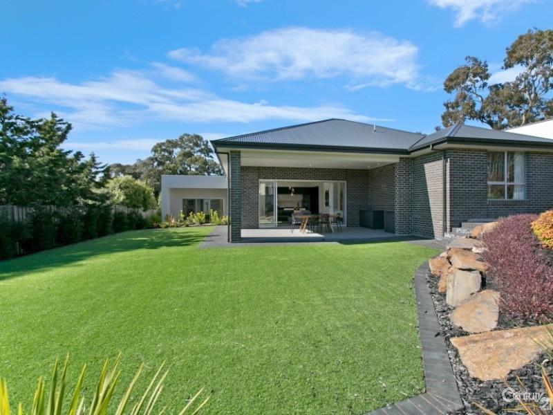 8 Dawbiney Avenue, Craigburn Farm - House for Sale in Craigburn Farm