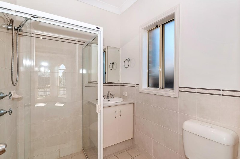 8a White Crescent, Seacombe Gardens - House for Sale in Seacombe Gardens