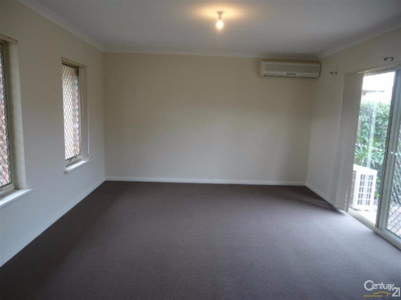 135B Ravenscar Street, Doubleview - Villa for Rent in Doubleview