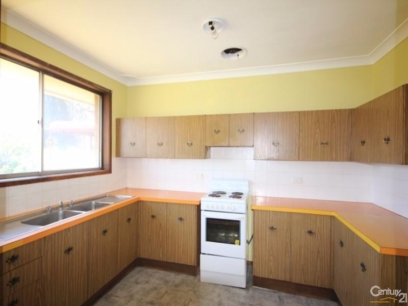 10 Nicholson Street, Penshurst - House for Rent in Penshurst