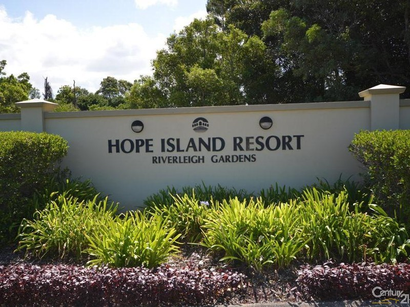 3152 Riverleigh Drive, Hope Island - House for Sale in Hope Island