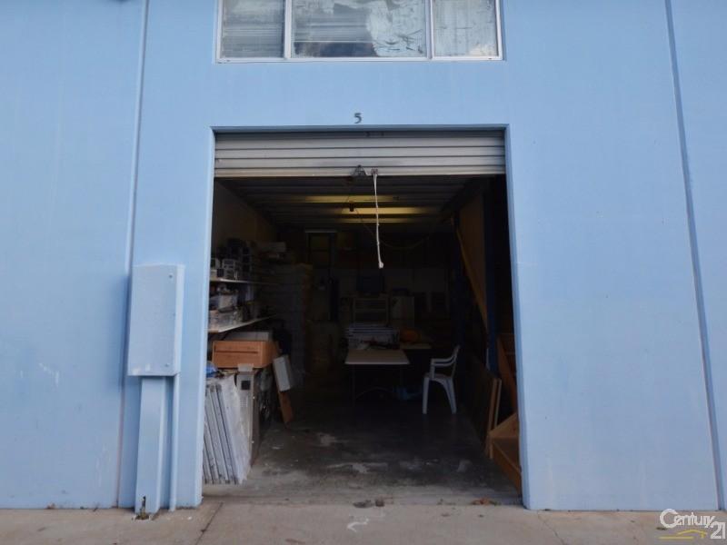 5/32 Ereton Dr, Arundel - Industrial Property for Sale in Arundel