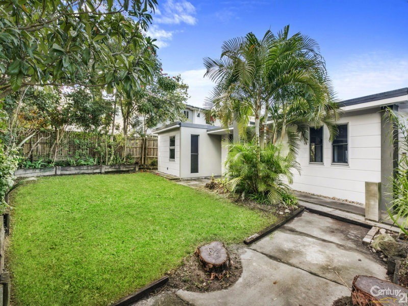 130 Falconer Street, Southport - House for Rent in Southport