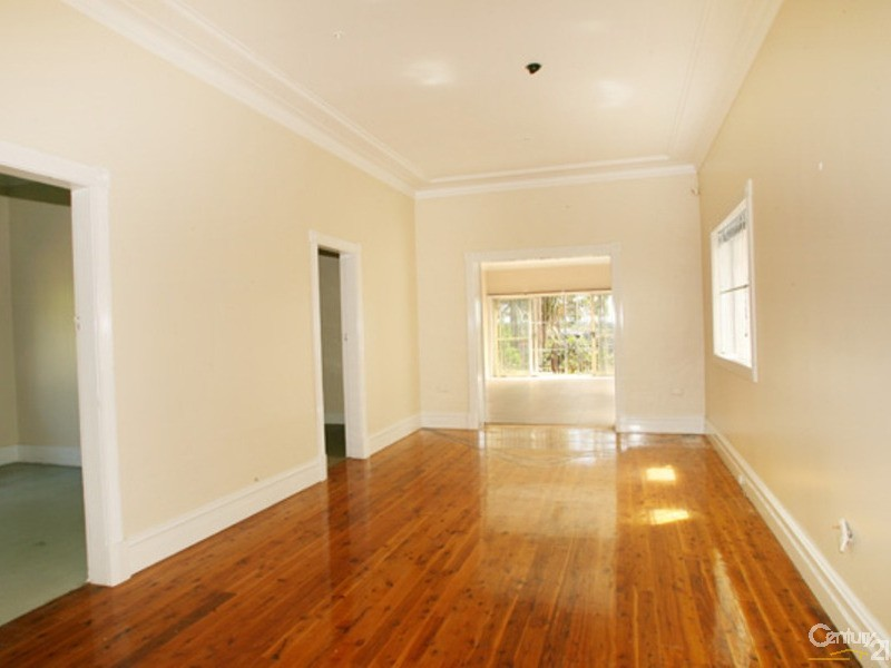 87 BAYVIEW AVENUE, Earlwood - House for Rent in Earlwood