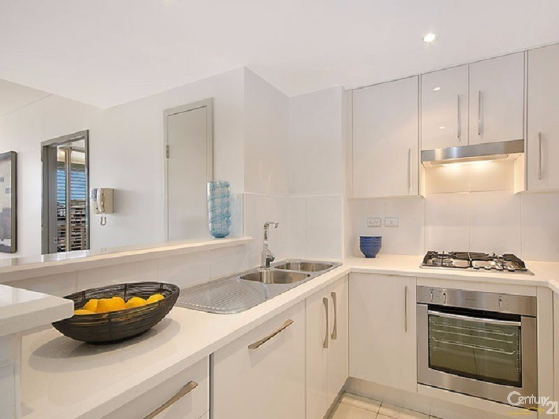 Kitchen - 8 Lachlan Street, Waterloo - Apartment for Sale in Waterloo