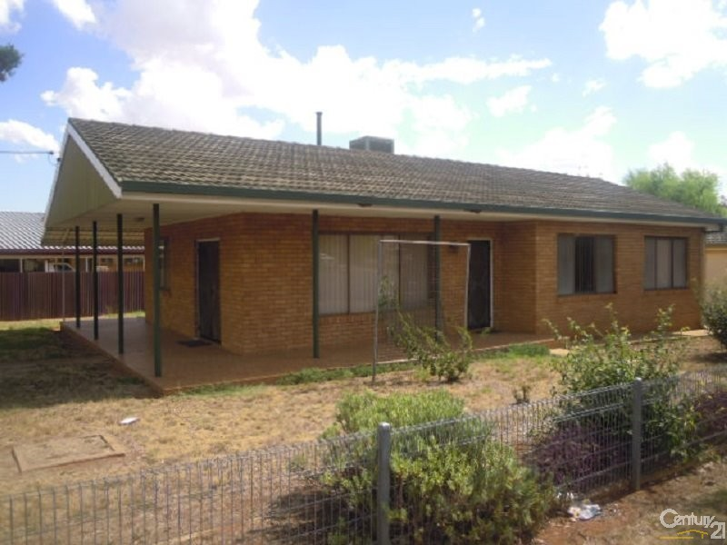 26 Russell Street, Parkes - House for Sale in Parkes