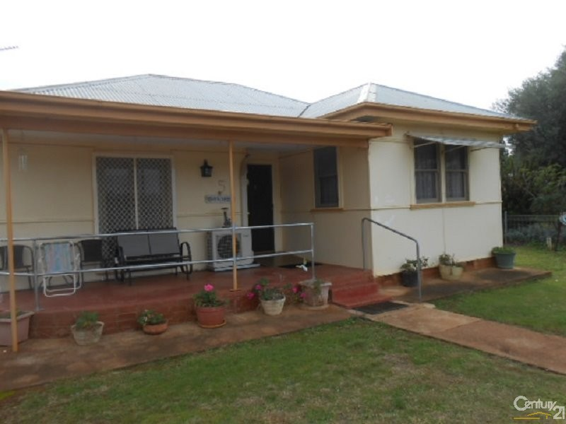 5 Plevna Street, Trundle - House for Sale in Trundle