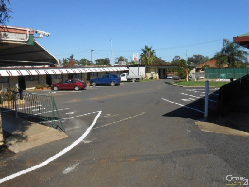 25-27 Caswell Street, Parkes - Hotel/Leisure Commercial Property for Sale in Parkes