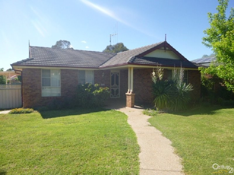 3 John Curtin Street, Parkes - House for Sale in Parkes
