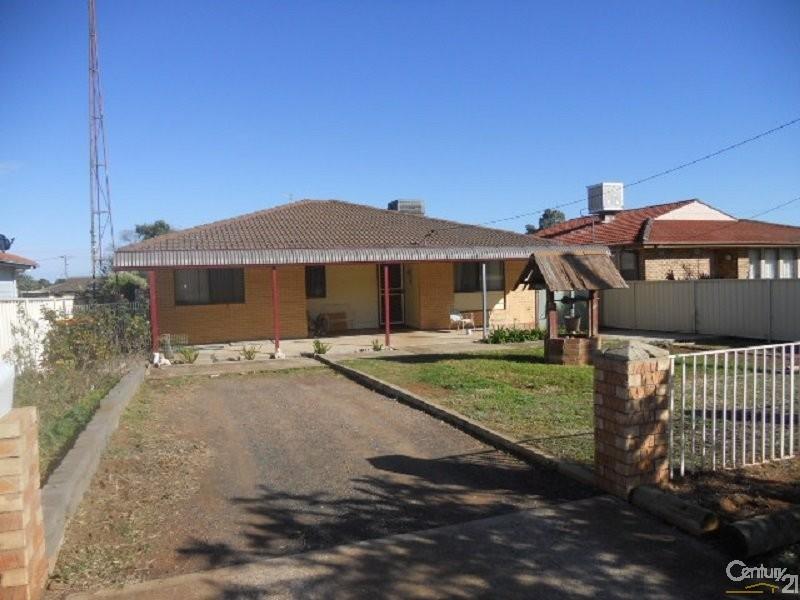 20 Derribong Street, Peak Hill - House for Sale in Peak Hill