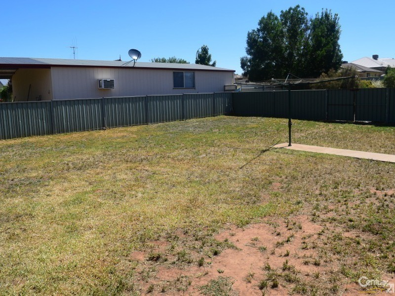 1 John Curtin Street, Parkes - House for Sale in Parkes