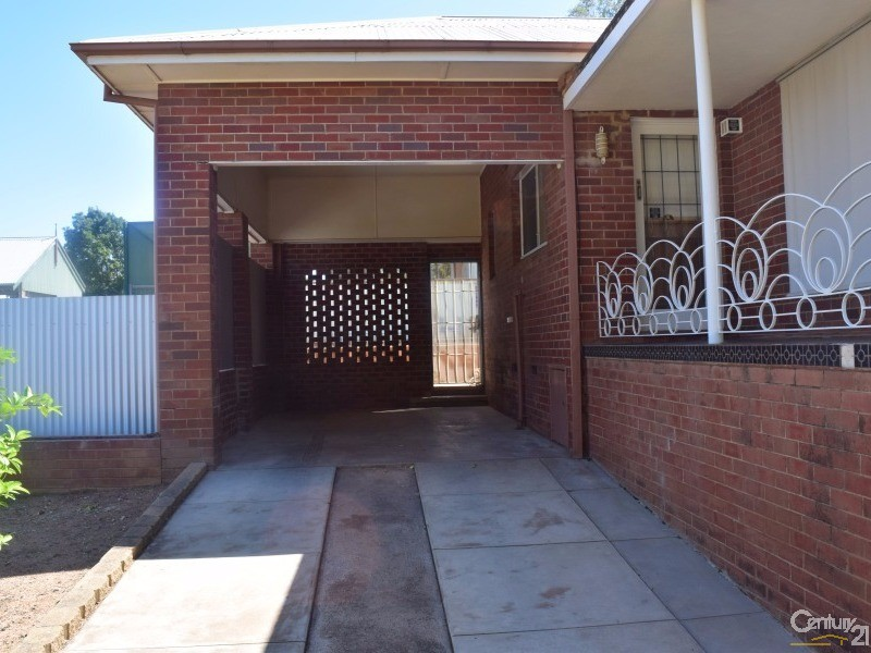 28 Wentworth Street, Parkes - House for Sale in Parkes