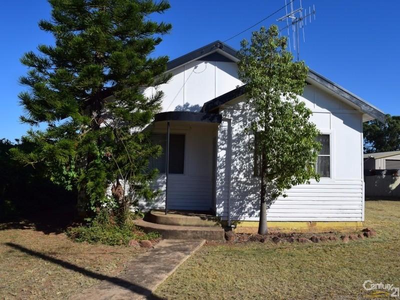 4 McGlynn Street, Parkes - House for Sale in Parkes