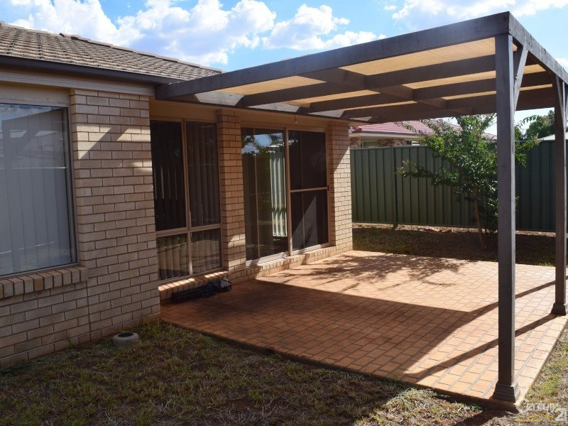 4/80 Close Street, Parkes - Townhouse for Sale in Parkes
