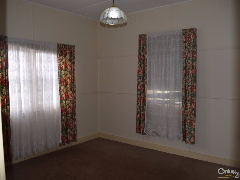 13 Grenfell Street, Parkes - House for Sale in Parkes