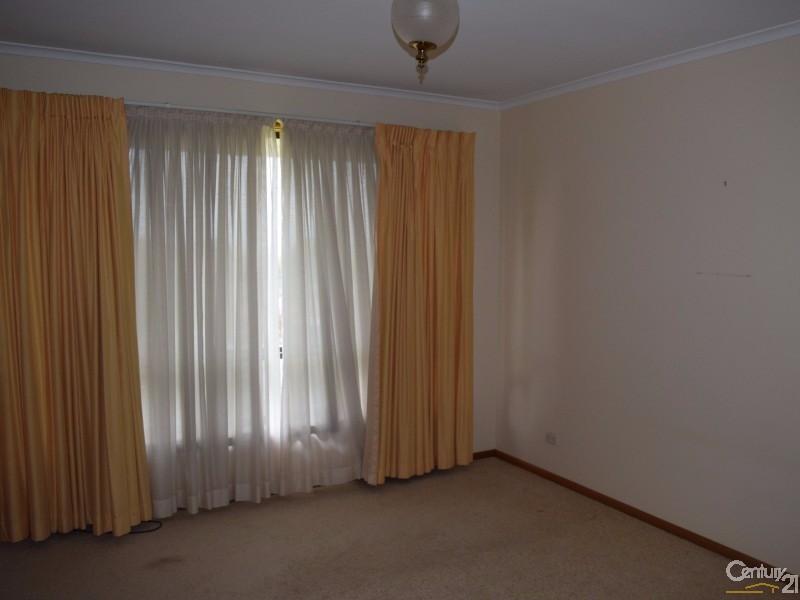 4 Mendos Place, Parkes - House for Sale in Parkes