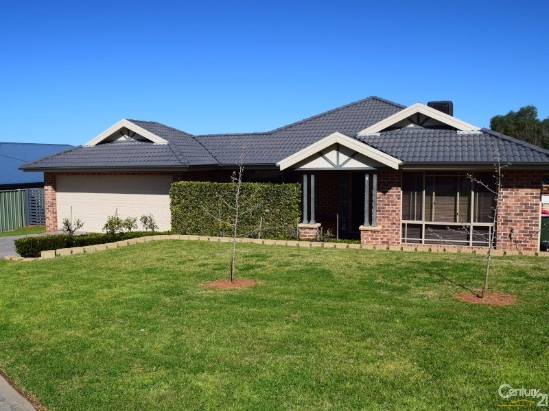6 Charles Barber Close, Parkes - House for Sale in Parkes