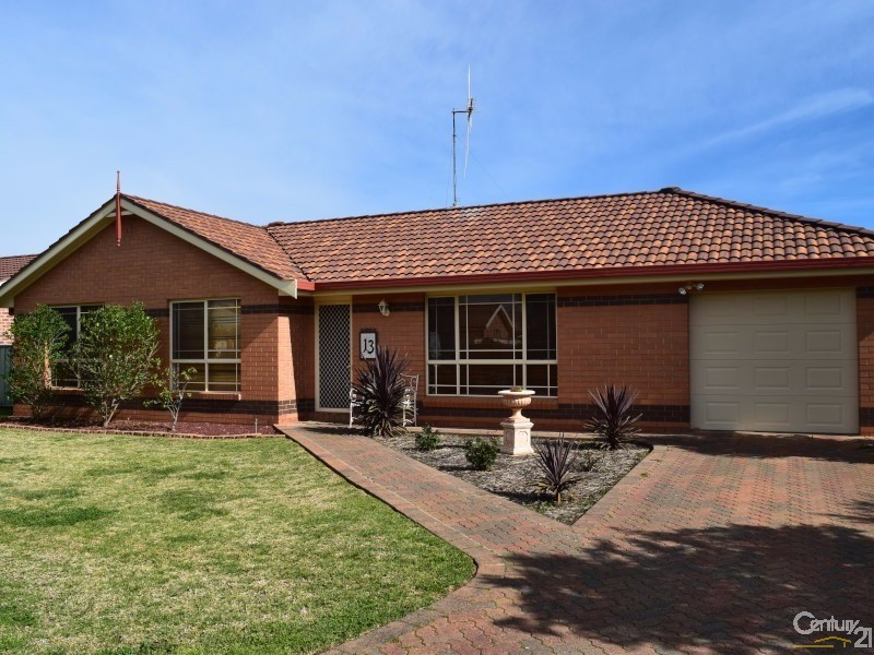 13 Ebelina Crescent , Parkes - House for Sale in Parkes