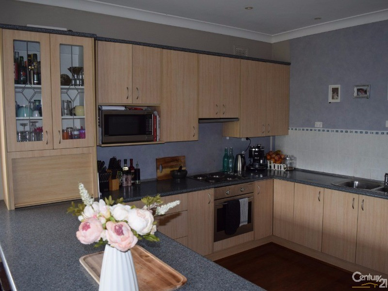 4 Thornbury Street, Parkes - House for Sale in Parkes