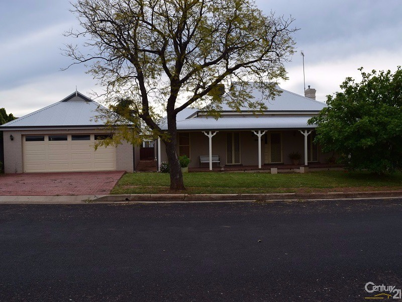 50 Victoria Street, Parkes - House for Sale in Parkes